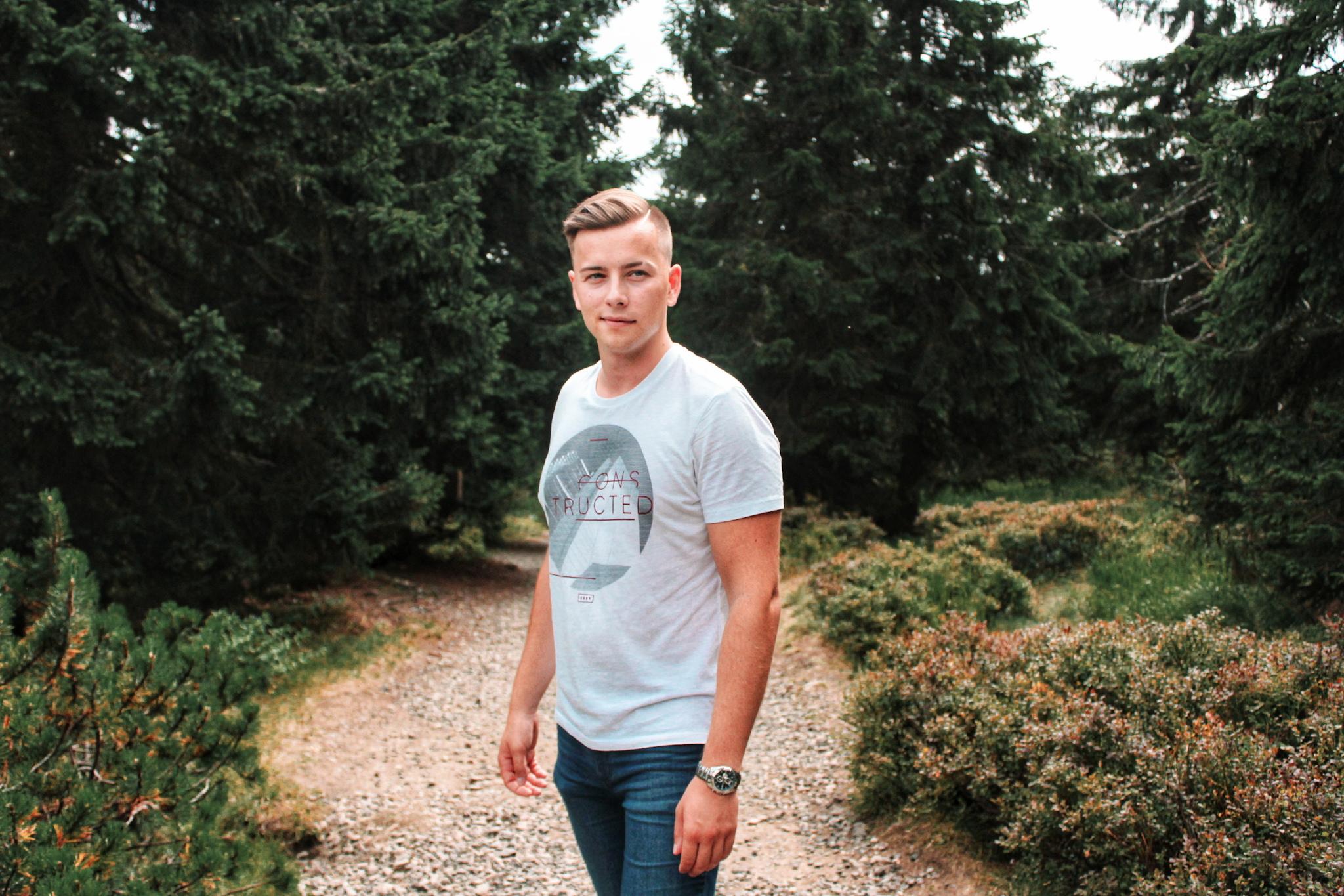 Spisovatel Martin Rousek v přírodě